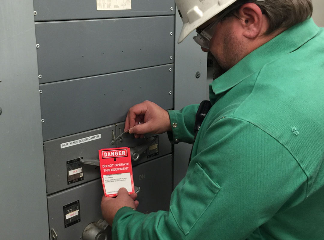 Engineer hanging a Red Tag